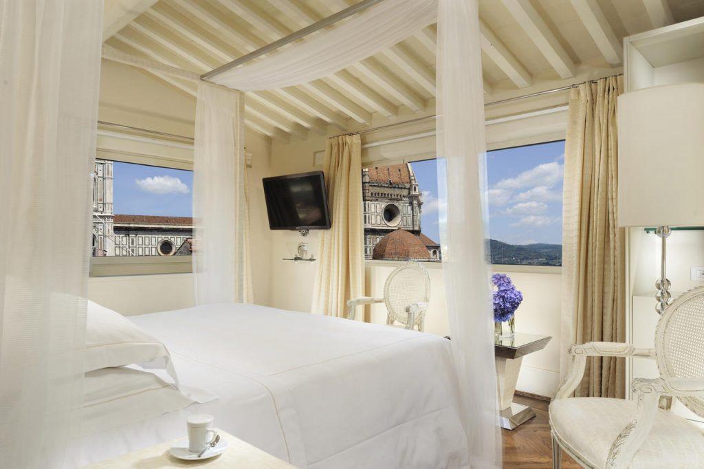Visitare Firenze Cane Hotel Brunelleschi